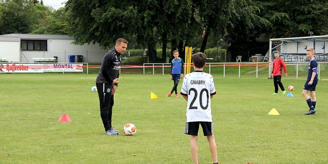 D Jugend trainiert mit Lars Fuchs