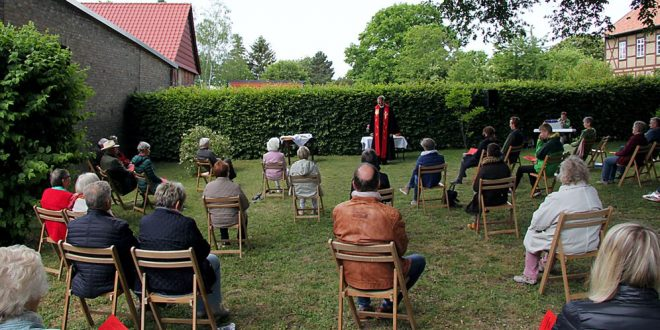 Pfingstgottesdienst in Werlaburgdorf